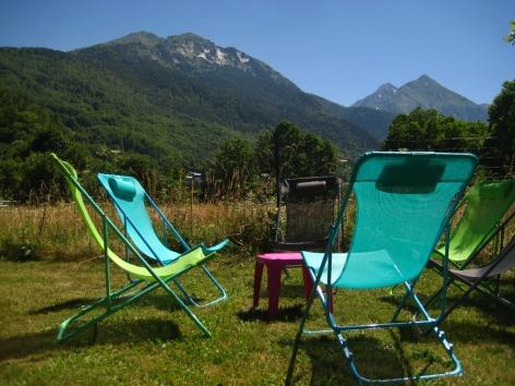 2-Camping-val-d-Autun-chaise.JPG
