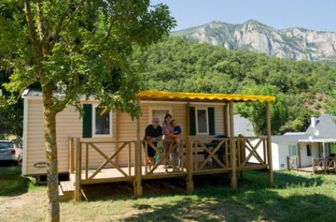 2-mobilhome-campinglachataigneraie-agosvidalos-HautesPyrenees.jpg