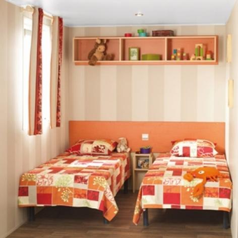 4-intchambre2mobilhome-campinglachataigneraie-agosvidalos-HautesPyrenees.jpg