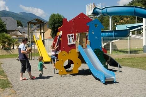 4-aire-de-jeux-campinglatour-agosvidalos-HautesPyrenees-creditbernardlauthier.jpg