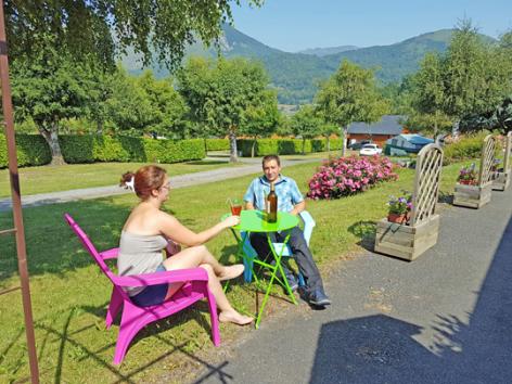 10-terrasse2-campingdulac-arcizansavant-HautesPyrenees.jpg