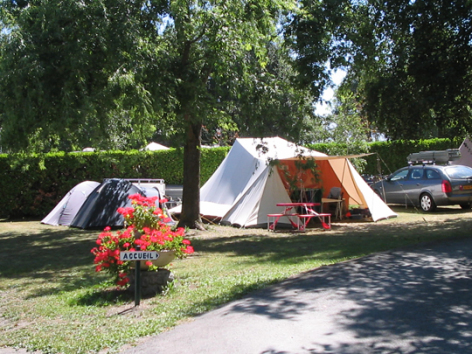 6-emplacement2-campingdulac-arcizansavant-HautesPyrenees.jpg