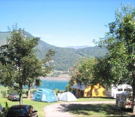 6-emplacement2-campinglelac-arcizansavant-HautesPyrenees.jpg
