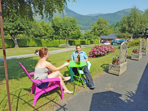 8-terrasse2-campingdulac-arcizansavant-HautesPyrenees.jpg