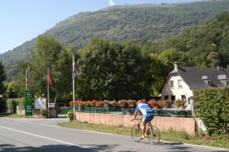 2-entree-campinglelavedan-laubalagnas-HautesPyrenees.jpg