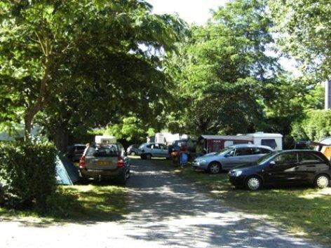 2-emplacement2-campinglehautacam-prechac-HautesPyrenees.jpg