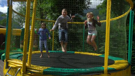 7-trampoline-international-esquiezesere-HautesPyrenees.jpg