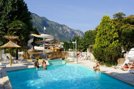 3-piscine-labergerie-ayzacost-HautesPyrenees.jpg