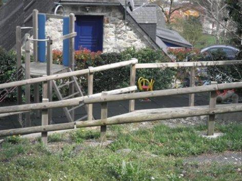 4-espacejeux-campinglelarbey-pierrefittenestalas-HautesPyrenees.jpg