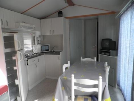 4-interieur1mobilhome-campinglelarbey-pierrefittenestalas-HautesPyrenees.jpg