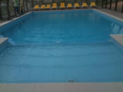8-piscine-lebastan-esterre-HautesPyrenees.jpg