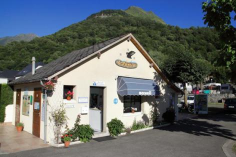1-accueil1-lebergons-esterre-HautesPyrennes.jpg
