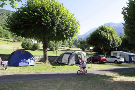 7-emplacementtente2-lebergons-esterre-HautesPyrenees.jpg