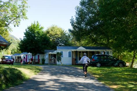 12-camping12-lehounta-sassis-HautesPyrenees.jpg