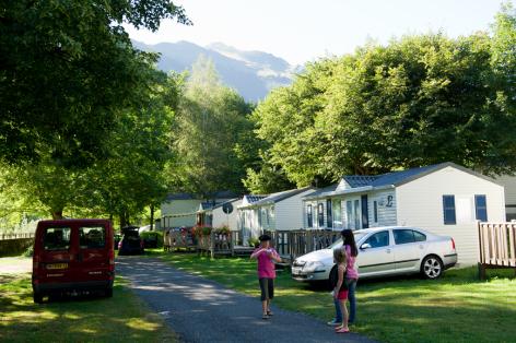 3-camping03-lehounta-sassis-HautesPyrenees.jpg