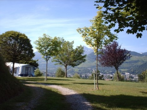 3-emplacement-caravane-tente-1-W.jpg