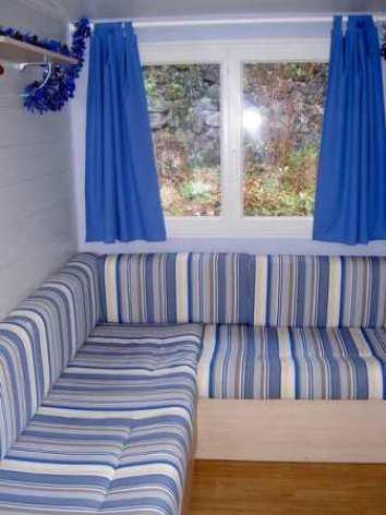 3-salon-mobilhome-campinglerural-agosvidalos-HautesPyrenees.jpg