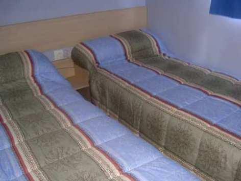 5-chambremobilhome-campinglerural-agosvidalos-HautesPyrenees.jpg
