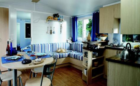 10-HPMH05---Camping-le-Soleil-du-Pibeste---Mobil-home-interieur-2.PNG