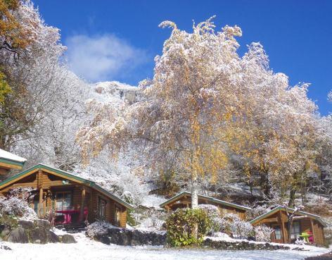 15-HPMH05---Camping-le-Soleil-du-Pibeste---Photo-principale-HIVER.jpg