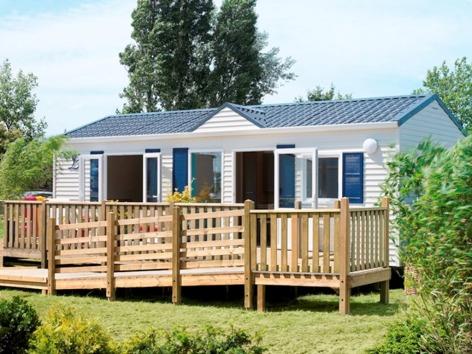9-HPMH05---Camping-le-Soleil-du-Pibeste---Mobil-home-exterieur-2.jpg