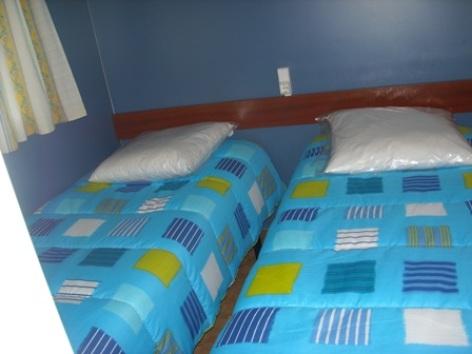 3-chambre-campingleviscos-beaucens-HautesPyrenees.jpg