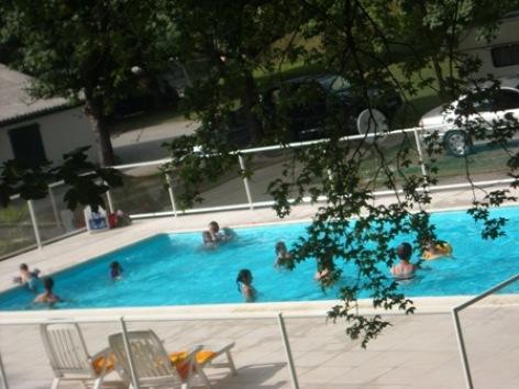 6-piscine-campingleviscos-beaucens-HautesPyrenees.jpg