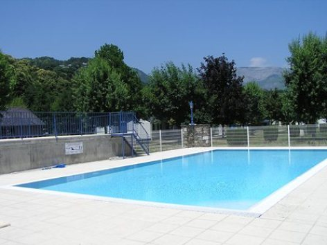 7-piscine-campinglesfrenes-laubalagnas-HautesPyrenees.jpg.JPG