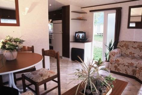 7-interieurmobilhome2-campingespacepyreneesloisirs-laubalagnas-HautesPyrenees.jpg