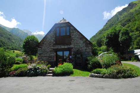 1-entree-pyreneesnatura-estaing-HautesPyrenees.jpg
