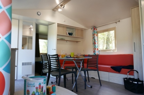1-HPMH12---Camping-La-Vacance----Chalet-interieur---lavacance-UCPA.JPG