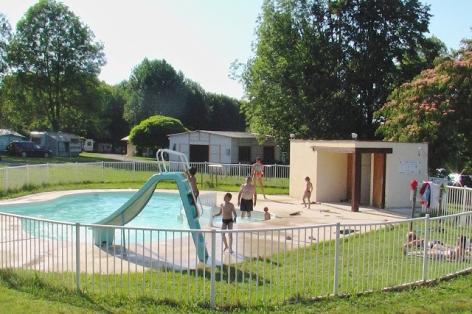 0-craoues-piscine.jpg