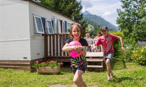 4-enfants-pyrenevasion-sazos-HautesPyrenees.jpg