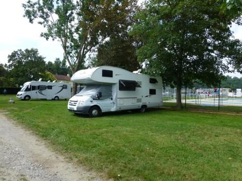6-CampingDeLMonVillage--TournayP1060179.JPG