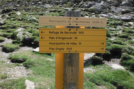 4-Panneau-directionnel-de-la-Hourquette-Chermentas.jpg