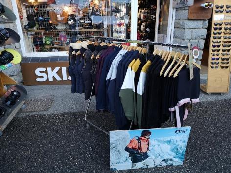 0-Ski-Set-Picture-2.jpg