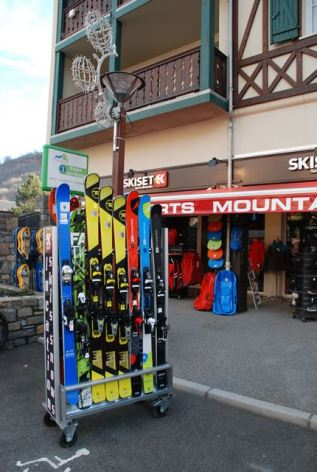 0-sport-mountain-skiset.jpg
