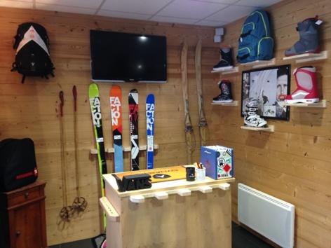 1-sports-montain-skiset.jpg