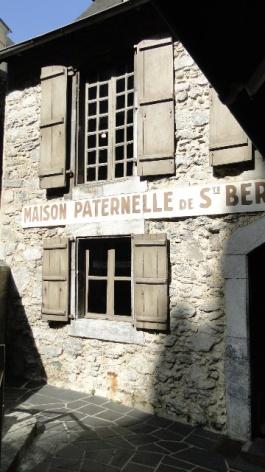0-Lourdes-Maison-Paternelle.JPG