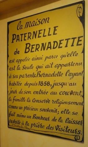 1-Lourdes-Maison-Paternelle-descriptif.JPG