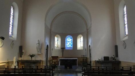 2-Lourdes-Autel-de-la-Chapelle.JPG