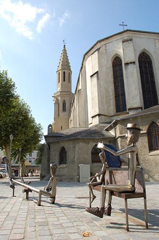 2-Sainte-The-re-se-sculptures-Carlos--Miranda-photo-Mairie-de-Tarbes.jpg