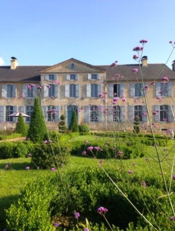22-ChateauDeGarderes-DavidLiagre-LA-COUR-D-HONNEUR.jpg