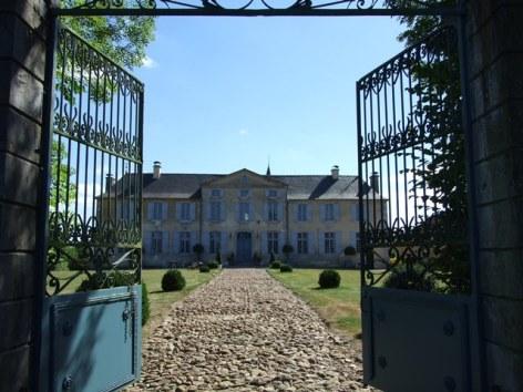 6-ChateauDeGarderes-DavidLiagre2010-Portail-entree.JPG
