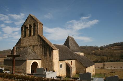 1-Eglise-Peinte-de-Montaner.jpg