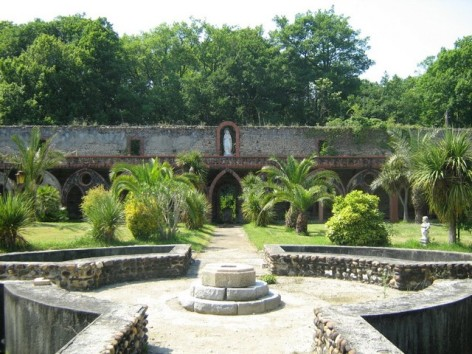 3-Abbaye-Notre-Dame-de-l-Esperance---Tarasteix---Les-jardins.jpg
