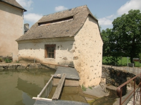 0-Moulin-d-Ayne--grand-.JPG