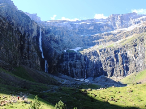 2-1-Cirque-de-Gavarnie-Pyrenees.jpg