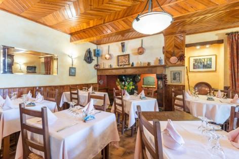 3-sallerestaurant-cabaliros-arcizansavant-HautesPyrenees.jpg