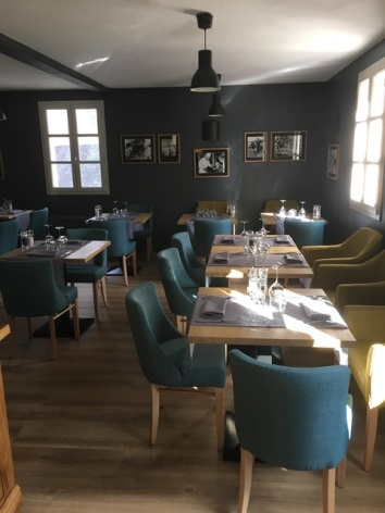 4-aubergedubergons-tables-salles-HautesPyrenees.JPG